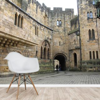 Alnwick Castle Courtyard