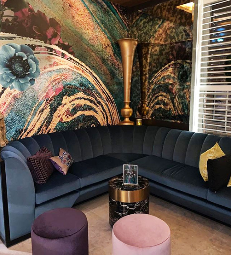 lara skinner marble wallpaper in art deco bar