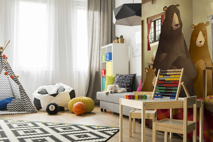 Bear-wall-mural-in-childrens-room
