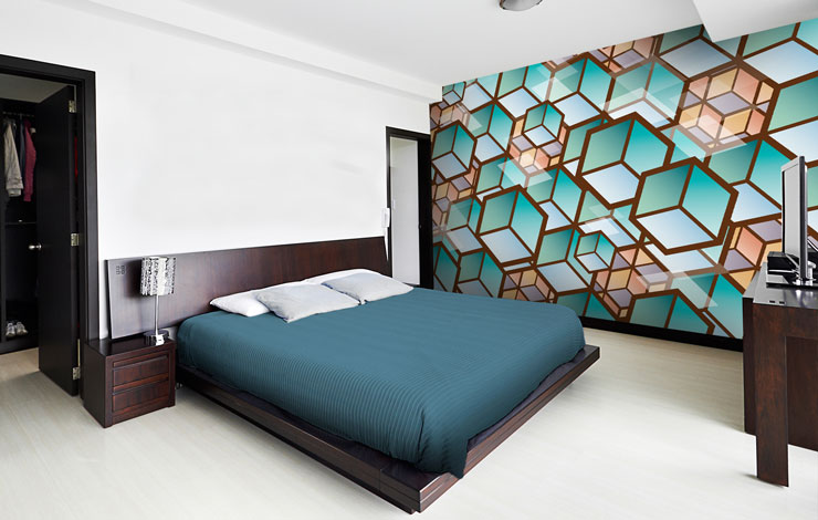 Cube-pattern-wallpaper-in-teenage-bedroom