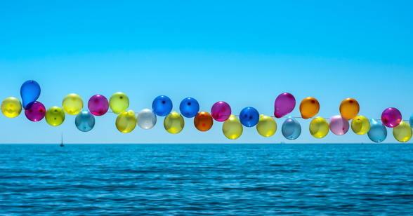 Balloons mural wallpaper