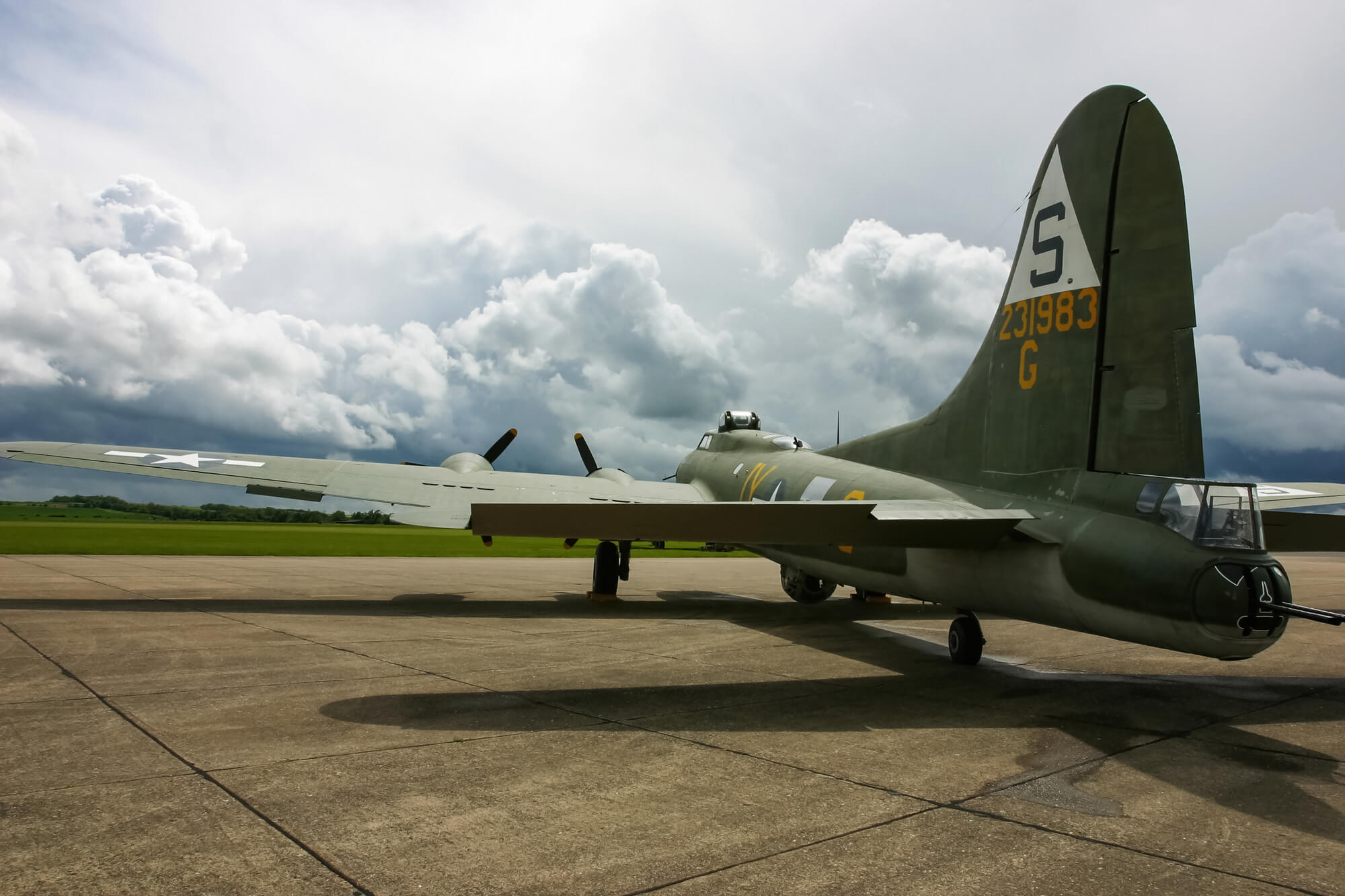 B 17 Flying Fortress Wallpaper B17 Flying Fortress Wa...