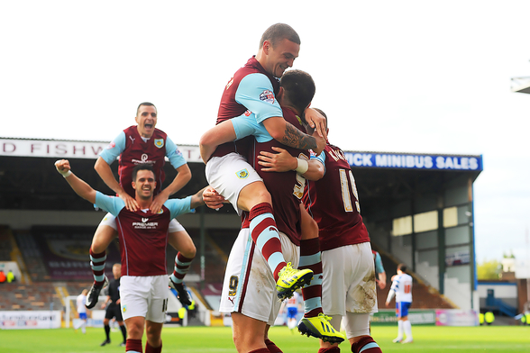 Vokes and Team Celebrate wallpaper mural