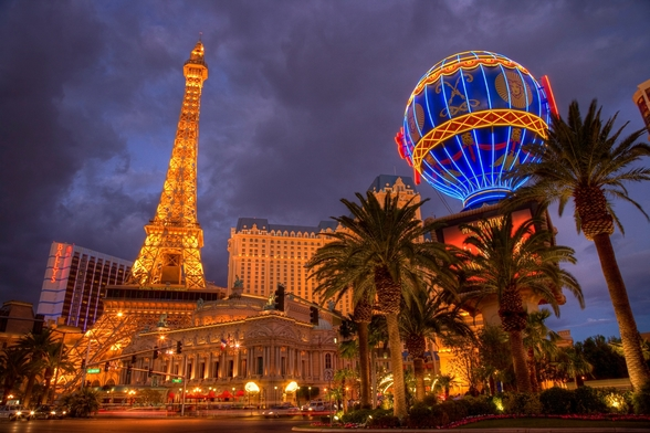 Las Vegas Strip by Night mural wallpaper