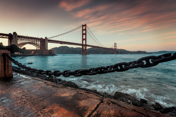 Golden Gate Bridge mural wallpaper