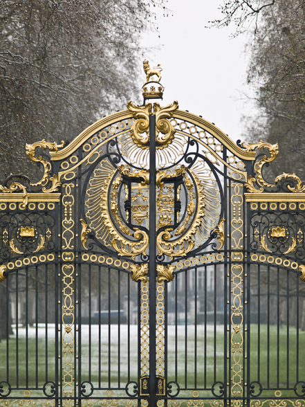 The Gates at Green Park wall mural