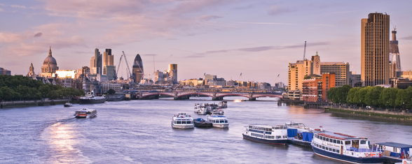 London Skyline mural wallpaper