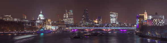 Panoramic view of London Skyline mural wallpaper