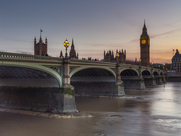 Westminster bridge and Big Ben wall mural
