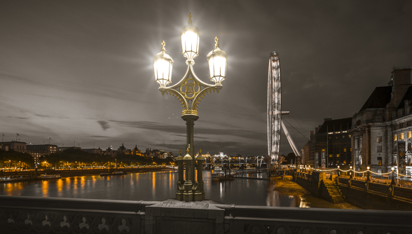 Street lamp with London Eye at Night mural wallpaper