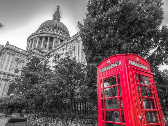 Telephone Booth outside St Pauls Cathedral wallpaper mural