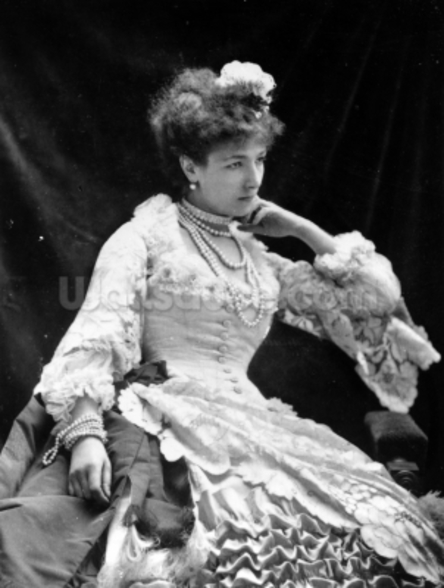 Sarah Bernhardt (b/w photo) wall mural
