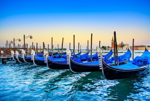 Gondolas at Sunset mural wallpaper