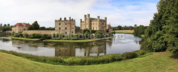 Leeds Castle Panorama wall mural