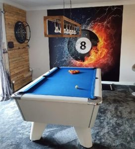 lucky eight mural in games room