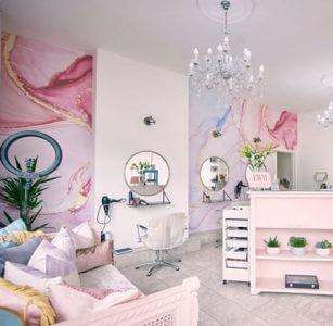 pastel watercolour wallpaper in hairdresser salon