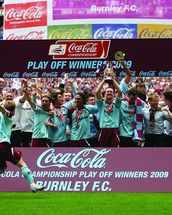 Play Off Winners Celebration 2009 mural wallpaper thumbnail