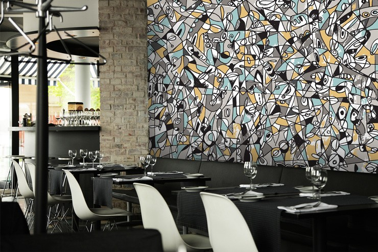 Mike_Labriola_designer_wallpaper_in_restaurant.