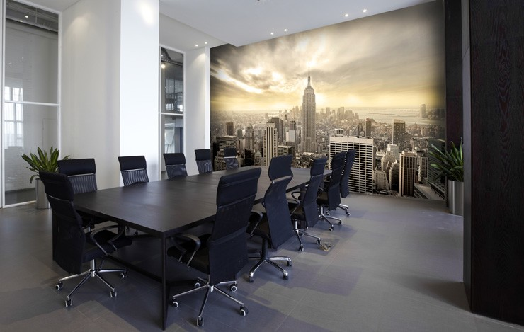 Manhattan_wallpaper_in_office_boardroom