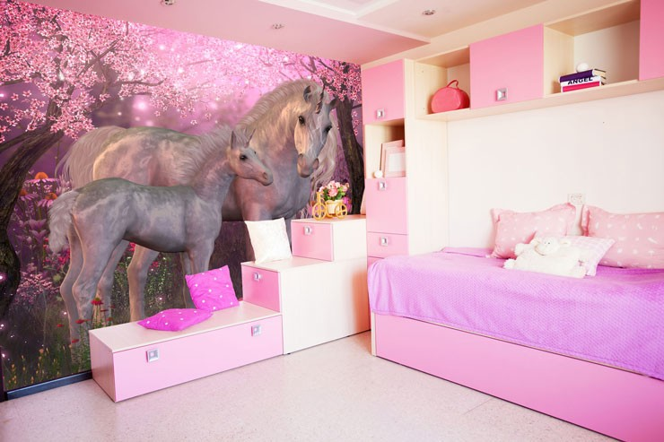 unicorn bedroom idea with pink forest mural