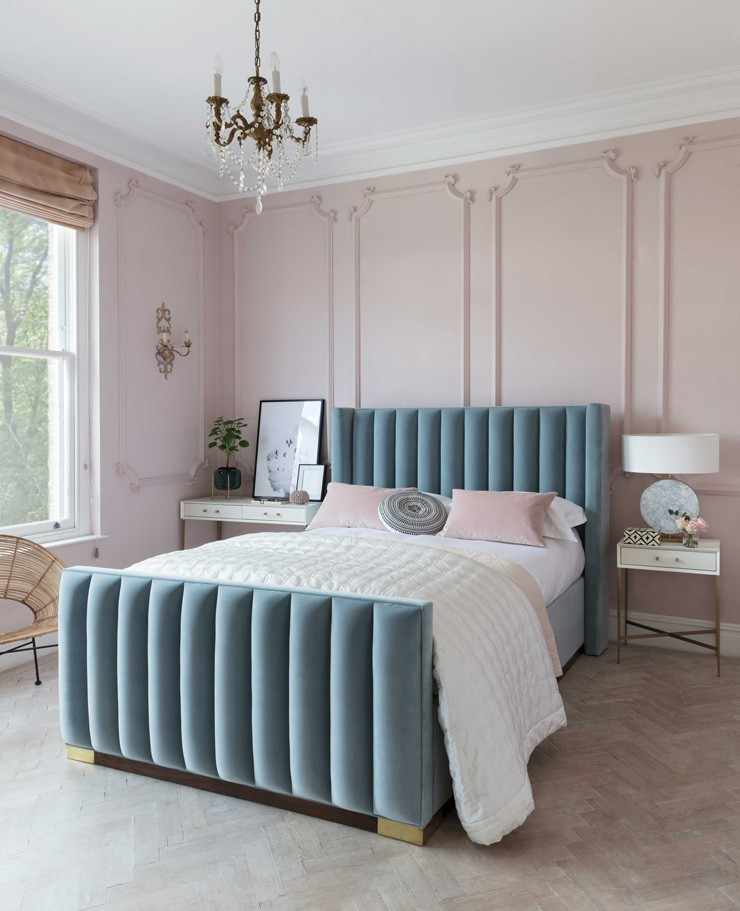art deco style velvet teal bed in pink room