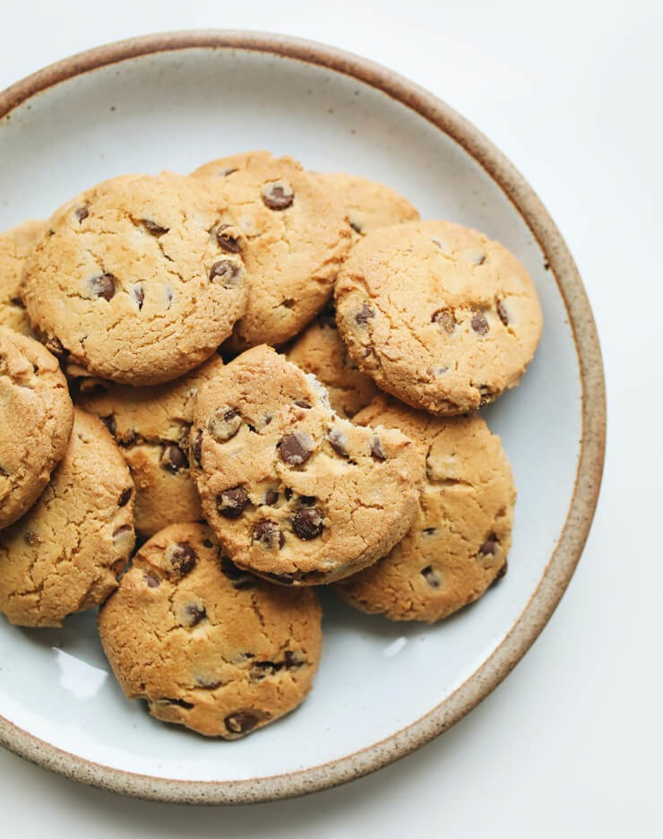 chocolate chip cookies on a plate close up photo