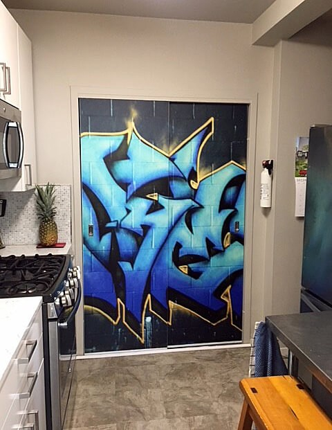 graffiti-mural-in-kitchen