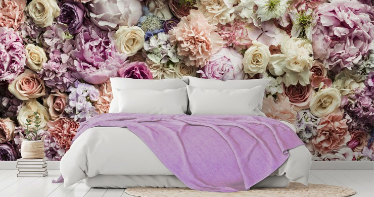 photo of flowers wallpaper in bedroom
