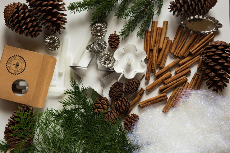 pinecones, cinnamon sticks and pine leaves