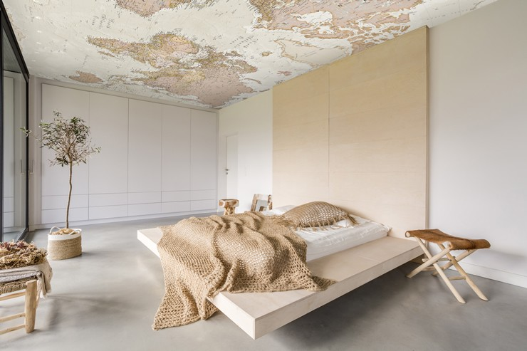 map_ceiling_wallpaper_in_bedroom