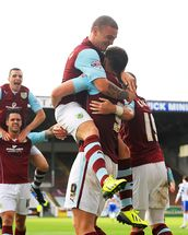 Vokes and Team Celebrate wallpaper mural thumbnail
