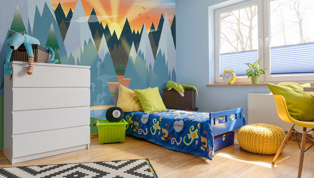kids mountain wallpaper in boys bedroom